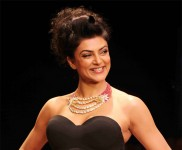 Sushmita Sen Showstopper At IIJW 2012
