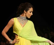 Malaika Arora Walk the Ramp for KGT Entice Show
