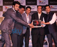 Manisha Malhotra, Farhan Akthar & Manish Paul at Dulux Velvet Touch