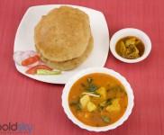 Crispy Methi Puri Recipe
