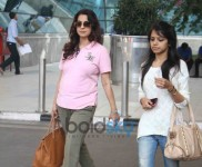PAPARAZZI-AIRPORT SNAPPED- Ileana D'cruz And Juhi Chawla Snapped At Domestic Airport