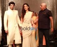 Katrina Kaif, Aditya Roy Kapoor Walk The Ramp For Tarun Tahiliani