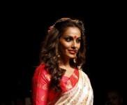 Bipasha Basu Walks For Sanjukta Dutt At Lakme Fashion Week 2016