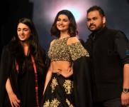Prachi Desai Walks For Sonam And Paras Modi At Lakme Fashion Week 2016