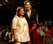 Sophie Choudry Walks For Sumona Parekh At Lakme Fashion Week 2016