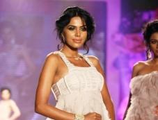 Swarovski Gems Fashion Show Photos