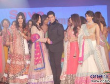 Sushmita Sen, Manish Malhotra, Shriya Saran Photos