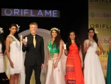 India Launches Oriflame Ecobeauty Range Photos