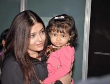 Aishwarya Rai Bachcha & Aaradhya Bachchan Photos