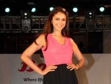 Aditi Rao Hydari launches Bata India monsoon collection Photos