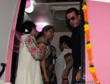 Sanjay Dutt inaugurate Mobile Mammography Unit Photos