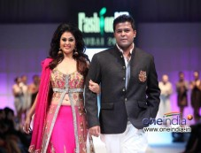 Fashion Me 2013 Finale Show at Dubai Photos
