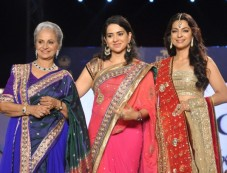 Hina nc and Manish Malhotra's collection for CPAA fashion show Photos
