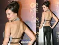 Evelyn Sharma In Nikhil Thampi Photos