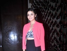 Alia Bhatt at Unveiling of fashion magazine Harper's Bazaar 2013 Photos