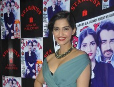 Sonam Kapoor in Gucci Pre-Fall13 dress Photos