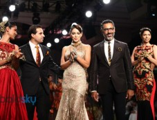 Shantanu & Nikhil Photos