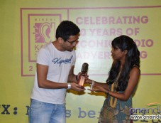 Shilpa Roa giving away awards to the winner Photos