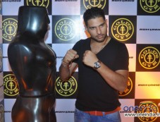 Yuvraj Singh at Relaunch of Golds Gym Bandra Photos