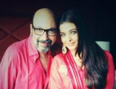 Aishwarya Rai Bachchan Inaugrates New store of Kalyan Jewellers Photos