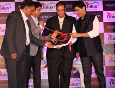 Manish Malhotra & Farhan Akthar at Dulux Velvet Touch  New Brand Campaing Photos