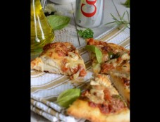 Herb Grilled Chicken Pizza With Coko Kola Photos