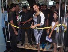 Jacqueline Fernandez cutting ribbon at Forever 21 Event Photos