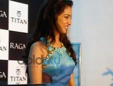 Shardha Kapoor in beatiful dress at Sonakshi Raj at Titan Ragas new collection launch Photos