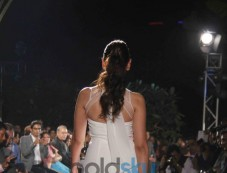 Aditi Roa walks ramp for Spanish fashion show. Photos