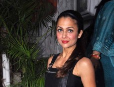 Amrita Arora during Closet Label In Style store launch Photos