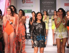 IRFW 2013 Day 2 Surili Goyal Show Photos