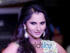 Sania Mirza walks ramp at Hyderabad International Fashion Week Photos