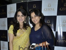 Shaina NC with Anuya Mhaiskar during Gehna Jewellers 2014 Event Photos
