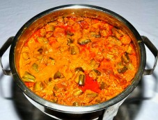 Spicy Aloo Parval Ki Sabji Recipe Photos