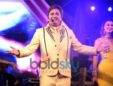 Sukhwinder Singh during Mulund Carnival Festival 2013 Photos