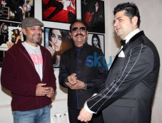 B-Town stars at Dabboo Ratnani's Calendar 2014 Launch Photos