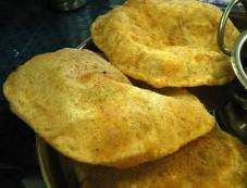 Besan Puri Recipe For Breakfast Photos