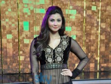Daisy Shah at Dance India Dance stage Photos