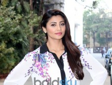Daisy Shah Looking Gorgeous during Jai Ho promotion Photos