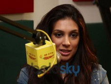 Preeti Desai at Radio Mirchi for upcoming movie promotion Photos