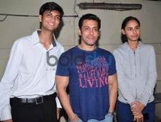 Salman Khan at Jai Ho screening for NGO kids at ketnav Photos