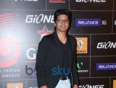 Shaan on red carpet during GiMA Awards 2014 Photos