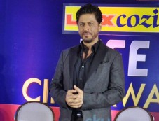 Shah Rukh Khan at press meet of Zee Cine Awards 2014 Photos