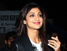 Shilpa Shetty In Black Jeggings & Coat Photos