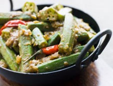 Tangy Bhindi With Besan Recipe Photos