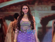 Aditi Rao Hydari  ramp at Launch of Retail Jeweller Indian Trendertter 2014 Photos