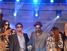 Akshay Kumar at Mc Dowell Signature Indian Derby Photos