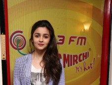 Alia Bhatt at Radio Mirchi for promotion of Highway Photos