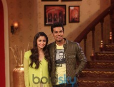 Alia Bhatt and Randeep Hooda at Comidy Night during Highway Promotion Photos