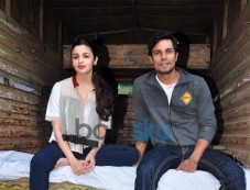 Alia Bhatt and Randeep Hooda during Highway Promotions Photos